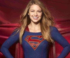 Супергерл объединилась с Чудо-женщиной в шикарной рекламе фильма