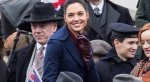 Папарацци застигли доктора Стрэнджа и Чудо-женщину на улицах Лондона - Изображение 1