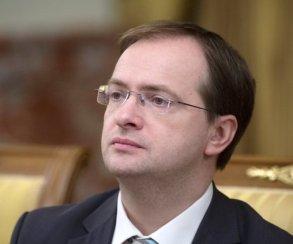 Мединский высказался против веселья впостановках русской классики