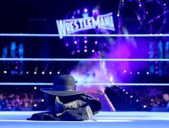 WWE. Лучшие моменты из последних матчей Гробовщика