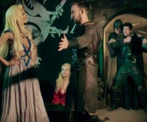 Джон Сноу призывает Серсею кмиру вновом порно по«Игре престолов»