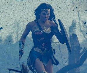 Новое фото «Чудо-женщины»: богиня на войне