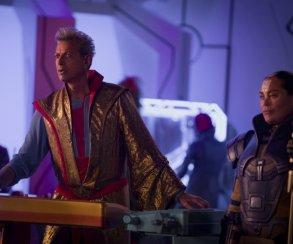 Непринужденный разговор Грандмастера сТором вудаленной сцене из«Тора: Рагнарек»