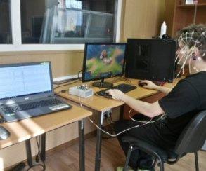 Исследование: показатели активности мозга во время обычных игр и во время соревнований отличаются