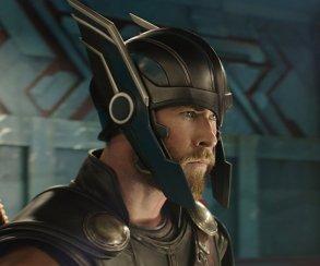 Секира вместо молота. Похоже, Тор в «Войне бесконечности» вооружится Ярнбьорном