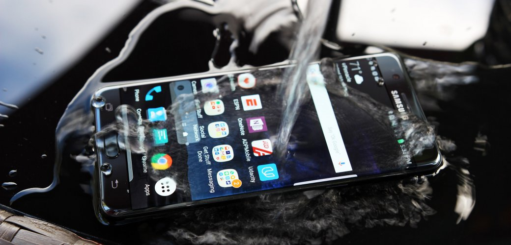 Как купить смартфон с рук - что и как проверять при покупке б/у телефона | Канобу - Изображение 0
