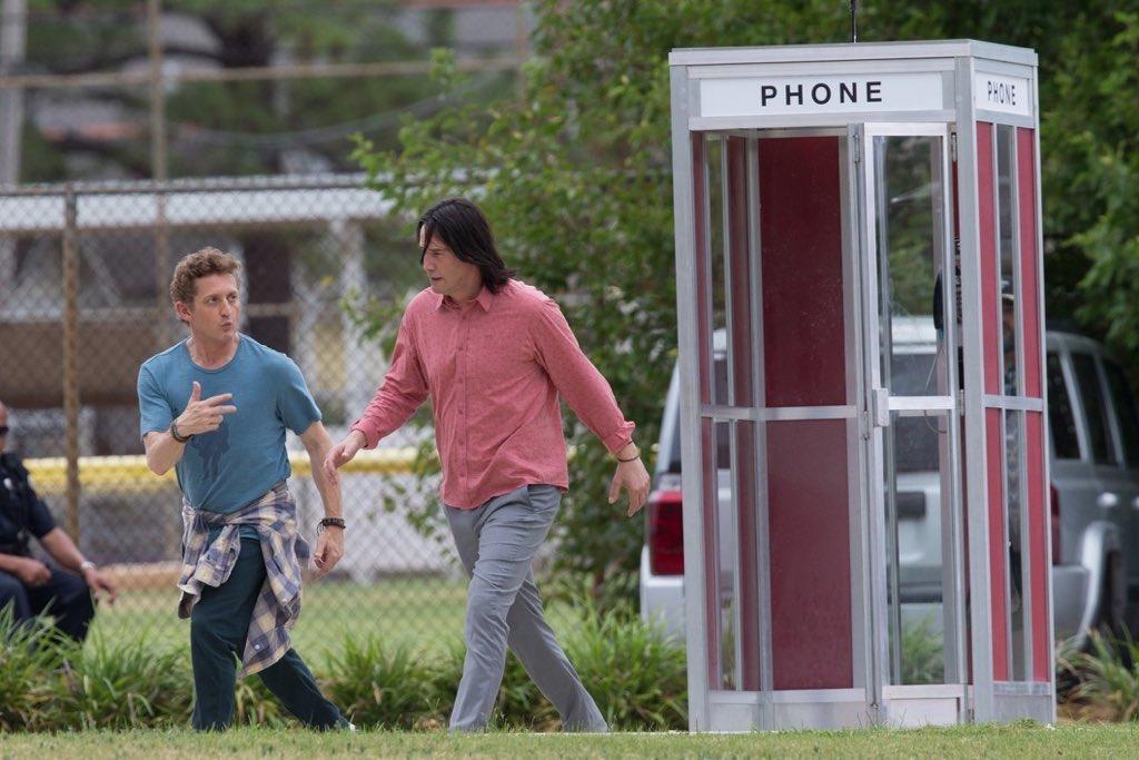 Авот ипервые кадры третьей части «Билла иТеда». Стой самой телефонной будкой! | Канобу - Изображение 337