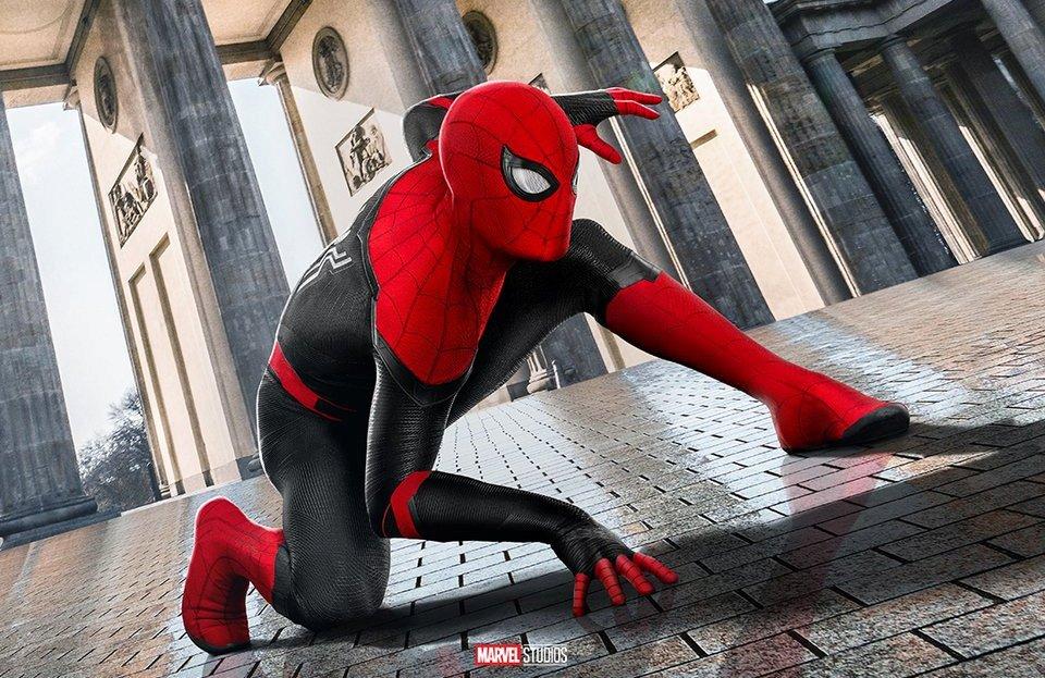 Человек-паук наслаждается видами Европы нановых постерах «Вдали отдома» | Канобу - Изображение 7658