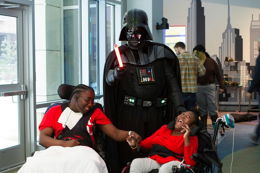 Пять человеческих историй со Star Wars Celebration | Канобу - Изображение 12