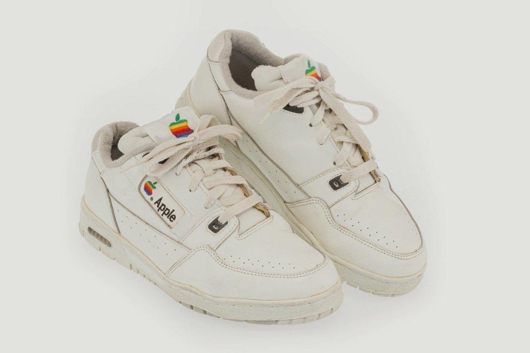 Ретро-кроссовки Apple ушли саукциона за1,2 млн рублей | Канобу - Изображение 10052