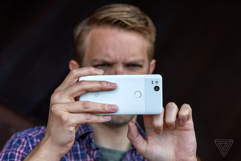 Что не так с Google Pixel 2? Главные плюсы и минусы новых смартфонов. - Изображение 11